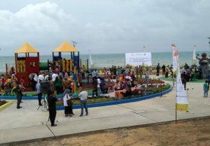 Taman Bermain Anak dan Fasilitas Olahraga Terbuka di Pantai Kencana, Ranai.