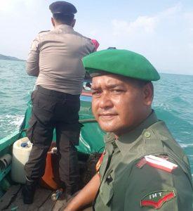 Tampak kekompakan satuan TNI dan Polri untuk mengamankan pendistribusian logistik Pemilu di wilayah Perbatasan.