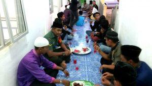 Buka puasa bersama di Masjid Al-Ijtihad Mekar Jaya.