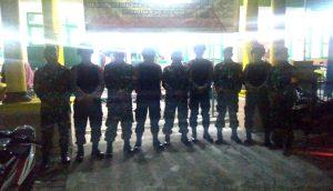 Anggota TNI-POLRI foto bersama usai melaksanakan Patroli Wilayah.