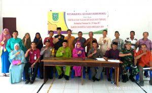 Foto bersama usai pelaksanaan Musdes Verifikasi dan Validasi BDT di Desa Setumuk.