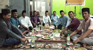 Syaifullah saat berkumpul bersama Kader Partai Hanura, sanak keluarga dan masyarakat, dalam satu momen Ramadhan 1440 H.