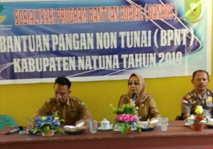 Kata Sambutan Hj. Kartina Riauwita saat memberikan Sosialisasi BPNT di Kecamatan Serasan.