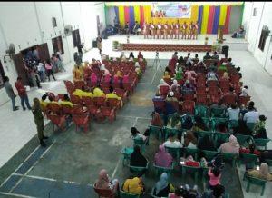 Tampak salah satu pertunjukan seni yang ditampilkan pada acara penutupan Workshop Seni dan Musik Tradisional di Kecamatan Serasan