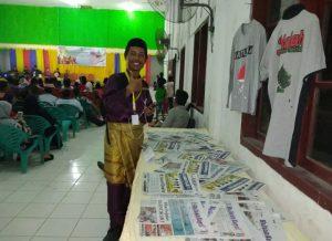 Stand pameran yang ditampilkan oleh penggiat pariwisata dan budaya Natuna, sekaligus pendiri Jelajah Rantau Bertuah.