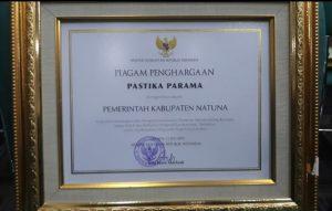 Piagam Penghargaan Pastika Parama yang berhasil diraih Pemdakab Natuna.