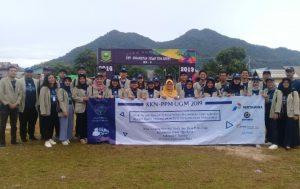 Wabup Ngesti foto bersama Mahasiswa/i KKN dari UGM Yogyakarta.