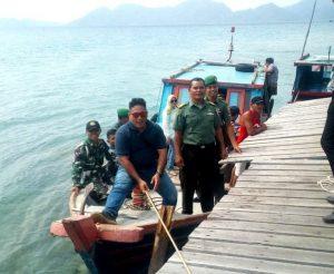 Rombongan Dandim 0318/Natuna saat tiba dipelabuhan Tanjung Batang.