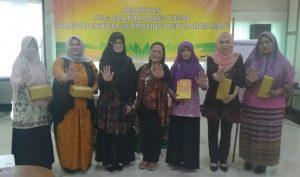 Sekretaris DP3AP2KB Kepri, Rozaleni, foto bersama para perwakilan PUSPA dari sejumlah daerah di Kepri.