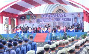Suasana upacara bendera HUT RI ke 74 di Halaman Masjid Agung Natuna Gerbang Utaraku.