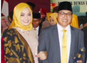 Daeng Ganda Rahmatullah bersama Istri tercinta.