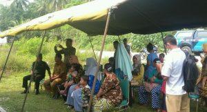 Antusias masyarakat di Desa Binjai mengikuti pelayanan KB Gratis, dalam rangka HUT TNI ke 74.