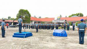 Kolonel Laut (P) Harry Setyawan, SE., saat memimpin upacara Sertijab DanKAL Panda 1.4-24.