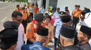 Sambutan kedatangan Kepala BNPP RI beserta rombongan di Bandara Lanud RSA Ranai.