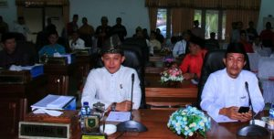Para anggota DPRD Natuna yang hadir.