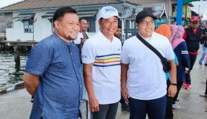 Tampak Wakil Ketua I DPRD Natuna Daeng Ganda Rahmatullah, foto bersama Anggota DPRD Kepri, Hadi Candra dan Nato tokoh pengusaha Natuna.