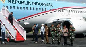 Presiden Joko Widodo tiba di Bandara Lanud Raden Sadjad Ranai, Kabupaten Natuna.