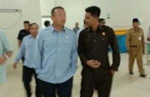 Andes Putra saat memdampingi Edhy Prabowo ketika berkunjung ke Natuna.