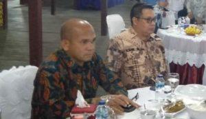 Ketua Komisi I Wan Arismunandar dan Anggota DPRD Natuna Daeng Amhar.
