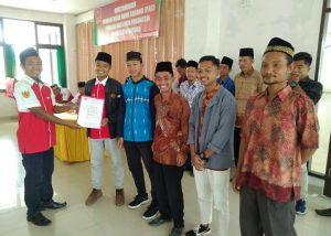 Penyerahan SK kepada PAC Pemuda Muslim Kecamatan Bunguran Timur