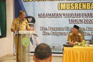 Asisten III Iswar Asfawi saat menyampaikan kata sambutan.