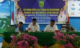 Tampak Sekda Natuna Wan Siswandi, bersama Wakil Ketua I DPRD Natuna Daeng Ganda Rahmatullah,
