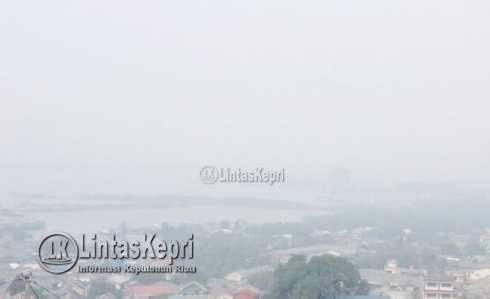 Penjabat Gubernur Kepri dan Polres Tpi Himbau Tidak Berlayar Selama Asap Tebal