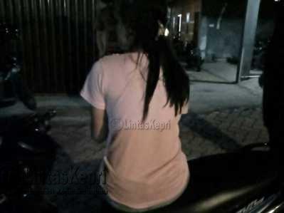 Terjaring Razia Tak Membawa KTP, Wanita Ini Tak Dibawa Satpol PP Tanjungpinang