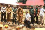 Babinsa Sedanau dan Gunung Putri Ikut Letakkan Batu Pertama Pembangunan Lab dan Perpus di Segeram