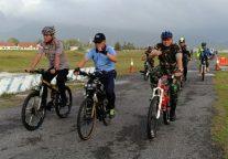 TNI-POLRI Penjaga Perbatasan Ajak Pemda dan Masyarakat Natuna Bersepeda