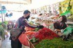 Pandemi Covid-19, BIMO Bagikan Ratusan Masker ke Pedagang Pasar Kijang